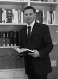 Rechtsanwalt Dr. jur. Andreas Hövelberndt, Gelsenkirchen gelistet bei McAdvo, dem Europaportal für Rechtsanwälte